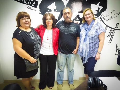 Nani, Lourdes, Antonio y María del Mar hablando sobre la escuela de padres de ASPAPROS