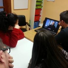 Miembros del PTVAL en plena sesión educativa