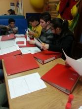 Grupo del PTVAL realizando actividades educativas