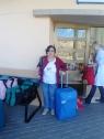 Carmen Mari espera a que le recojan su maleta